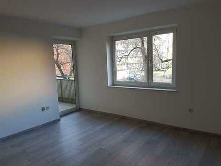 Renovierte 3-Zimmer-Wohnung mit Balkon in Augsburg