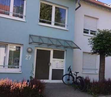 Gepflegte 2-Zimmer-Erdgeschosswohnung mit Balkon und EBK in Leinfelden-Echterdingen