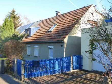 Kleines Haus mit Wachstumspotential in idyllischer Lage