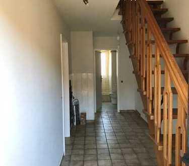 Vollständig renovierte 2,5-Zimmer-Wohnung mit EBK in Eurasburg
