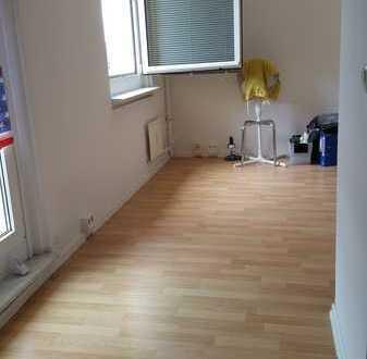 Schöne 1-Zimmer-Wohnung mit Balkon und EBK in Beelitz