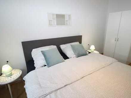 *City-Apartment* 2 Zimmer+ Balkon möbliert inkl. W-Lan & TV & Strom