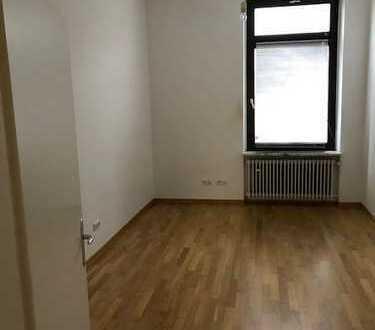 Freundliche 4-Zimmer-Wohnung mit Balkon in Aschaffenburg