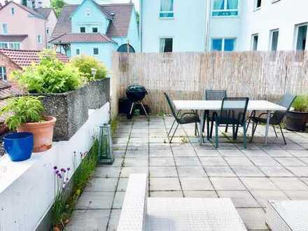 2 Zimmer für Dich in netter 2er WG mit großer Terrasse