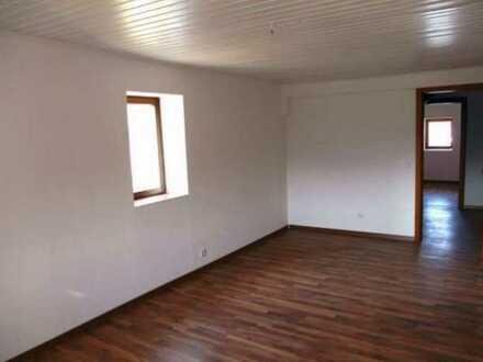 Zentrale Lage und gut gepflegt: DG Maisonette Wohnung in ruhigem Fachwerkhaus