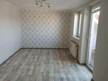 Helle 2ZKB Wohnung mit Dachterrasse