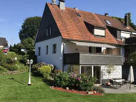 Doppelhaushälfte mit fünf Zimmern und EBK in Reinshagen, Remscheid