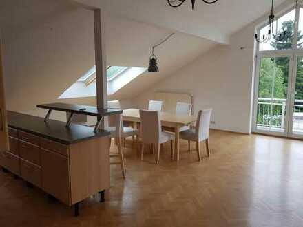 Exklusive, geräumige 3-Zimmer-DG-Wohnung mit großer Dachterasse in Milbersthofen - Am Hart