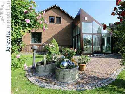 Bi-Babenhausen - Nähe Uni: Großzügiges Einfamilienhaus mit Blick über Wiesen und Felder