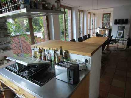 Exklusive möblierte Zwei-Zimmer-Wohnung in Köln, Lindenthal