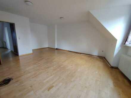 Großzügige 4 Zimmer-Wohnung in der Innenstadt!