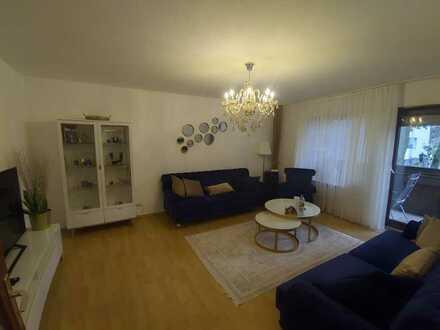 Attraktive Wohnung mit drei Zimmern und Garagenstellplatz Provisionsfrei zum Verkauf in Mannheim