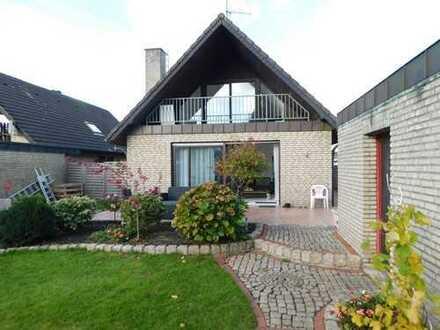 Großes, schickes & modernisiertes Einfamilienhaus mit Garage & Garten, jetzt zu vermieten