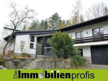 Exclusive Landhausvilla in idyllischer Alleinlage mit ca. 5.800 m² Grundstück bei Schauenstein