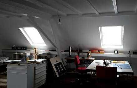 Lichtdurchflutetes Loft geeignetes Start up,Büro,Atelier