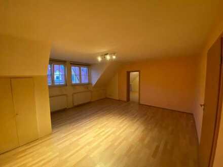 Schöne 3-Zimmer-Dachgeschosswohnung mit EBK in Freudenstadt