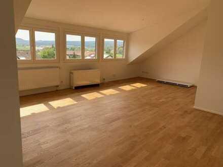 Schöne, geräumige zwei Zimmer Wohnung im Penthouse-Stil in Waldshut (Kreis), Küssaberg - Kadelburg
