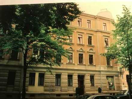 Sanierte 2-Zimmer-Wohnung mit Balkon und EBK in Dresden-Löbtau