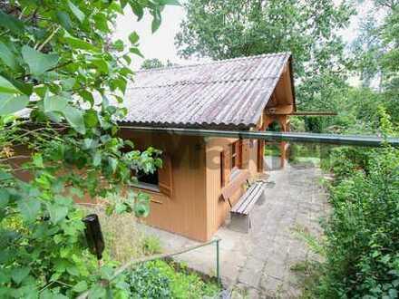 Gepflegtes 2-Zi.-Bungalow/Ferienhaus in idyllischer Waldlage m. Terrasse, großem Garten & Gartenhaus