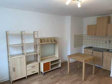 200 €, 25 m², 1 Zimmer