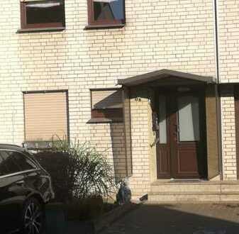 Schönes Haus mit fünf Zimmern in Oberhausen, Sterkrade-Mitte