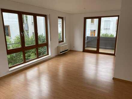 Freundliche 2-Zimmer-Wohnung mit Balkon in Wiernsheim