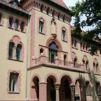 Wunderschöne Wohnung am neuen Garten in historischer Umgebung! Kernsaniert, luxuriöse Ausstattung!