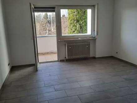 Renovierte 2 Zimmererdgeschosswohnung mit 2 Balkonen in KL-Dansenberg