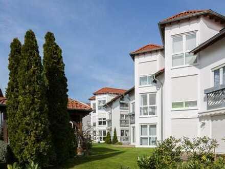 Ganz oben mit Ausblick - Sonnige Dachwohnung in gepflegtem Stadthaus-Quartier!