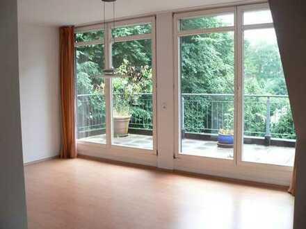 4-Zimmer-Maisonette-Wohnung mit großer Dachterrasse und EBK in Bergstedt, Hamburg