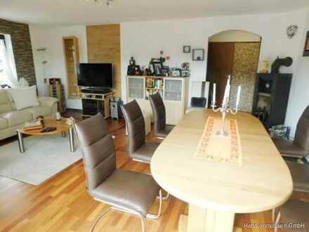 Großzügige 3,5-Zi.-Wohnung im DG mit 2 Balkonen und herrlicher Aussicht in gehobener Ausstattung!!!