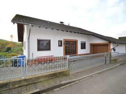 Rückershausen: Teilvermietetes Wohnhaus mit 3 Wohnungen zur Kapitalanlage oder Selbstbezug!