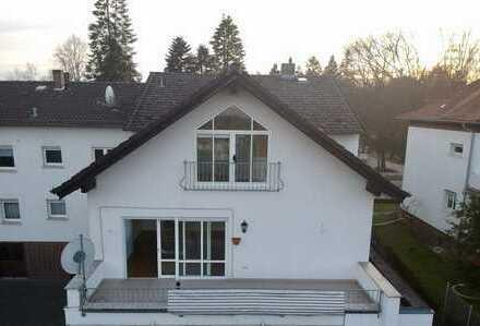 Schöne 2-Zimmer-Maisonette-Wohnung mit Balkon und Einbauküche in Dieburg