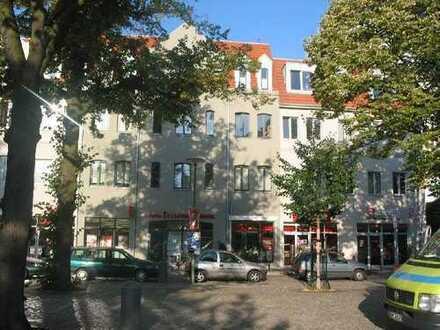 superschöne, sonnige und ruhige Wohnung mit riesen Balkon & Aufzug