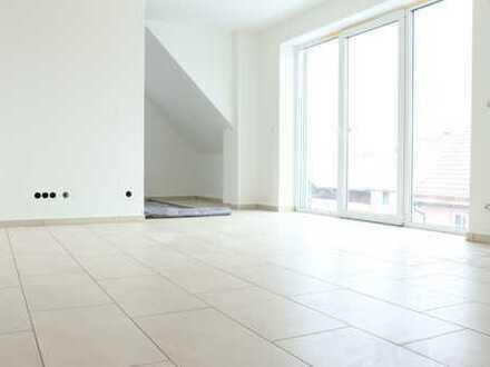 NEUBAU/ERSTBEZUG - KfW-55: Großzügige Maisonette-Wohnung mit Balkon - kurzfristig frei!