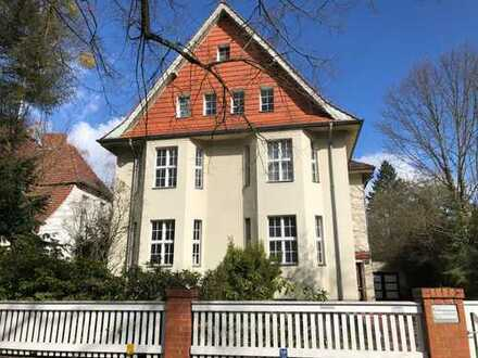 Anlageobjekt: 5-Zimmerwohnung in grüner Lage Zehlendorfs