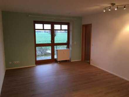 Gut geschnittene, gepflegte 2-Zimmer-Wohnung mit Terrasse und Gartenanteil in Obertraubling