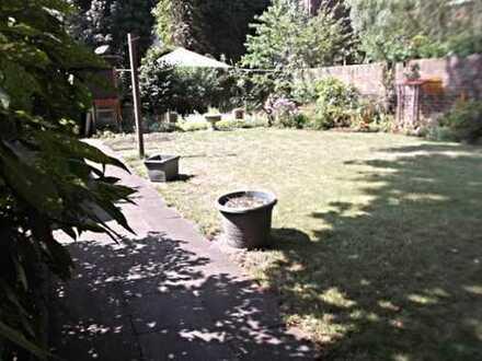 Alleinige Gartennutzung! 3-Zimmer-Parterre-Wohnung mit großem Garten in Duisburg-Marxloh