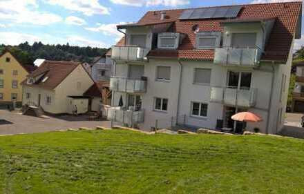 Neuwertige 2-Zimmer-Dachgeschosswohnung mit Balkon und Einbauküche in Wiesenbach