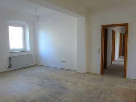 **Renovierte und großzügig geschnittene Bürofläche zu vermieten - ab sofort**