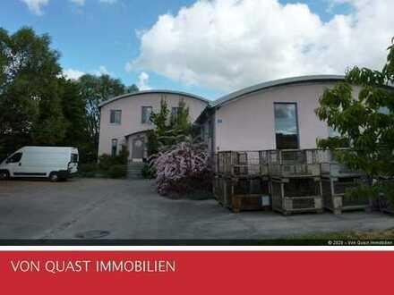 Hochwertige Gewerbehalle + liebevoll gebautes Wohnhaus + Fahrhof + Garten