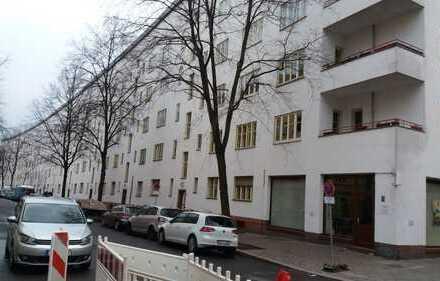 Attraktive 7-Zimmer-Wohnung mit 2 Balkonen in Neukölln, Berlin