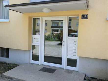 3 - Zimmerwohnung, Küche (leer), Bad, Balkon