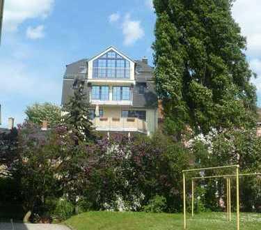 * außergewöhnlich & modern * Zentrumnah & Ruhig + gr. 5 Zimmer Altbau - Massionette* Balkon