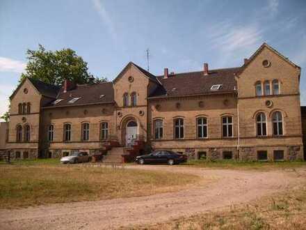 Schloss - Castle, 25.800m² Grundstück, 15 min. zur Ostsee
