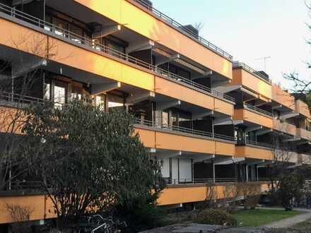 E&Co. - Teilrenoviertes 1.Zimmer Apartment mit kleinen Balkon