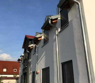 ERSTBEZUG: Attraktive 3-Zi.-Eigentumswohnung mit Balkon und Stellplatz