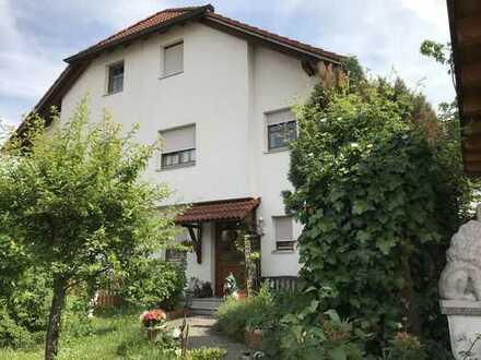 Liebevolle Doppelhaushälfte in Olching