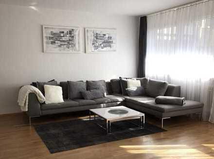 Ruhige komplett neu renovierte 4 Zimmerwohnung am Stadtrand- West