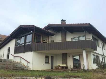Preiswerte, geräumige und modernisierte 4-Zimmer-Wohnung mit Balkon und Einbauküche in Irndorf